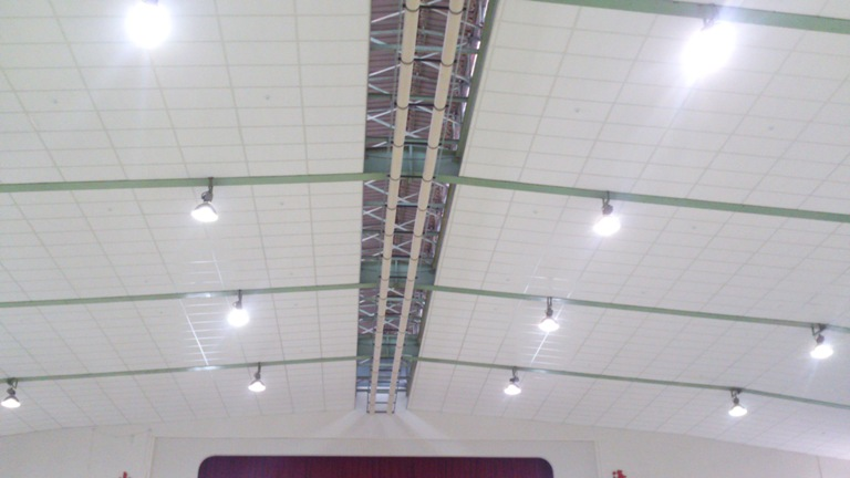 senior high school, gym project - T40.WF.3838.WH + Rockwool boards